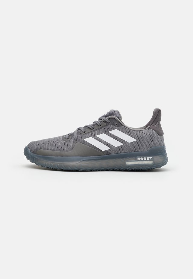 FIT PR TRAINER BOOST SPORTS SHOES - Sportovní boty - grey three/footwear white/grey five