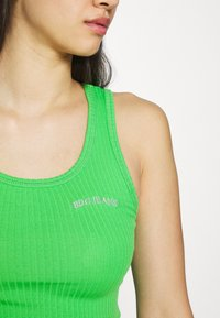 BDG Urban Outfitters - SCOOP TANK - Top - green - 5