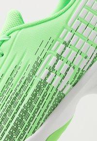 Puma - ADRENALITE 4.1 - Obuwie do piłki ręcznej - elektro green/white/black - 5