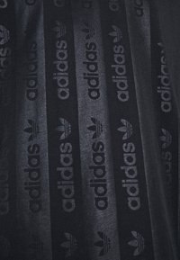 adidas Originals - T-shirt z nadrukiem - black - 5