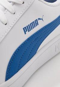 Puma - SMASH UNISEX - Sneakers laag - white/lapis blue - 5