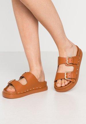 PALMA - Pantofle - tan