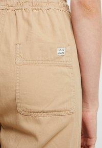 BDG Urban Outfitters - BAGGY RAFF TROUSER - Spodnie materiałowe - ecru - 4