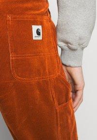 Carhartt WIP - PIERCE PANT - Pantalon classique - brandy - 5