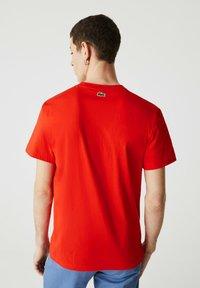 Lacoste - Print T-shirt - rouge - 1