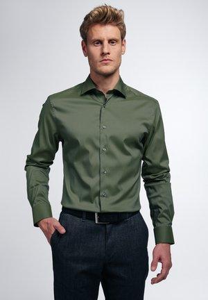 SLIM FIT - Zakelijk overhemd - grün
