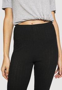 Marks & Spencer London - NEW THERMAL LEGGI - Pyjama bottoms - black mix - 4