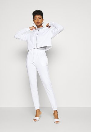 CROP ZIP HOODY JOGGER SET - Mikina na zip - white