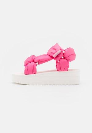 Sandály na platformě - rose pink/bianco