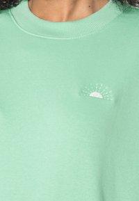 Monki - Sweatshirts - green light - 4