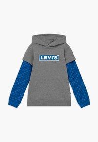 Levi's® - MICRO LOGO HOODIE - Felpa con cappuccio - grey heather - 0
