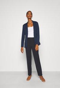 Vero Moda Tall - VMJILLNINA - Blazer - navy blazer - 1