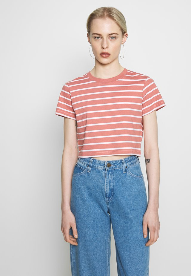 THE ONE BABY TEE - Print T-shirt - canyon rose/white