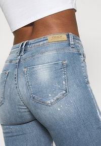 ONLY - ONLSHAPE LIFE - Jeans Skinny Fit - medium blue denim - 4