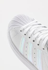 adidas Originals - SUPERSTAR - Sneakers basse - footwear white - 2