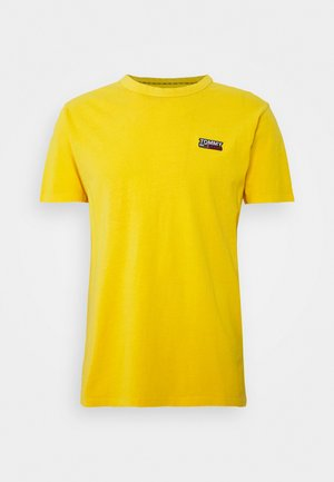 TJM WASHED LOGO TEE - Camiseta básica - star fruit yellow