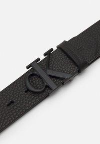 Calvin Klein Jeans - LOGO TEXT  - Belt - black - 2