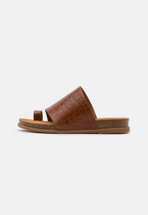CALESIN - T-bar sandals - saddle