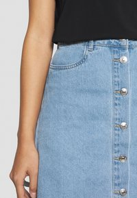 ONLY Petite - ONLFARRAH SKIRT 2 PACK - A-line skirt - light blue denim/black - 4