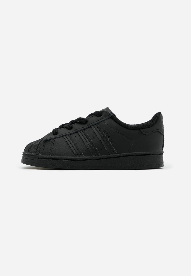 adidas Originals - SUPERSTAR SPORTS INSPIRED SHOES - Sneakersy niskie - core black