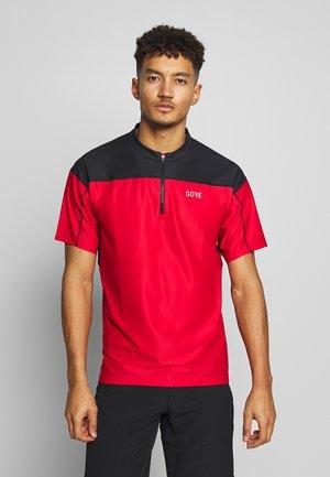 ZIP TRIKOT - Print T-shirt - red/black