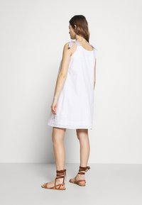 Paulina - SON OF A SUN - Vestido informal - white - 2