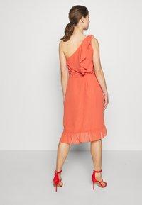 Bruuns Bazaar - ROSALINA KENDRA DRESS - Sukienka koktajlowa - poppy red - 2