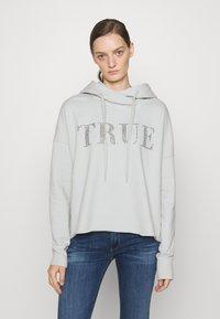True Religion - BOXY CROPPED HOODY - Sweatshirt - dawn - 0