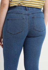 ONLY Carmakoma - CARSTORM - Jeans Skinny Fit - medium blue denim - 5