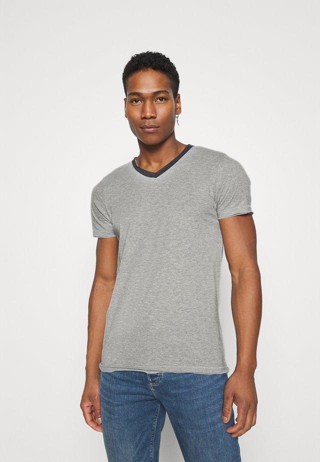 HAUS - T-shirts basic - light grey/dark charcoal