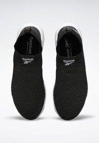 Reebok - EVER ROAD DMX SLIP ON 2 - Neutral running shoes - black - 1