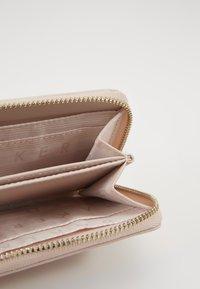 Ted Baker - HALLA - Wallet - dusky pink - 5