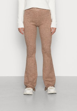 RECYCLED MATCH BACK STRAIGHT LEG - Pantaloni sportivi - cocoa bean marle