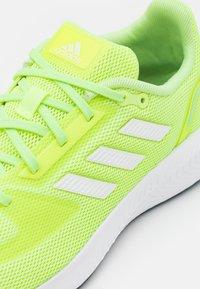 adidas Performance - RUN 2.0 - Zapatillas de running neutras - hi-res yellow/footwear white/hazy sky - 5