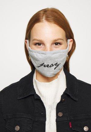 PRAY WORDING FACE MASK UNISEX - Látková maska - grey