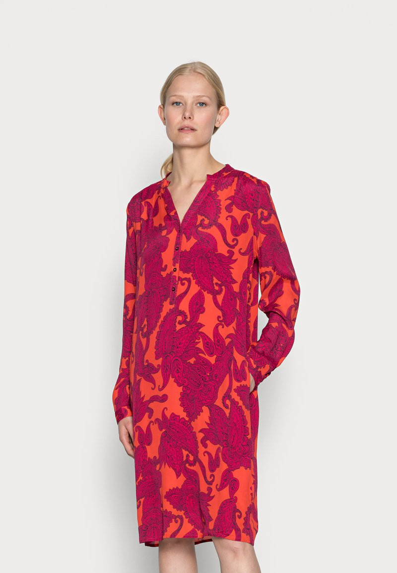 Emily van den Bergh - DRESS - Shirt dress - pink red
