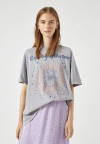 PULL&BEAR - Print T-shirt - light grey - 0