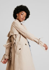 4th & Reckless - JEREMIE - Trenchcoat - beige - 3