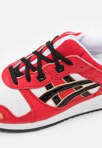ASICS SportStyle - GEL-LYTE III OG UNISEX - Sneakers basse - classic red/black - 5