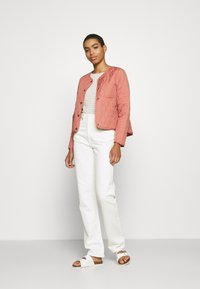edc by Esprit - QUILTED INDOOR - Jas - coral - 1