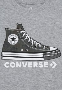 Converse - PRINTED SNEAKER TEE - Print T-shirt - dark grey heather - 2
