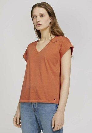 Basic T-shirt - sundown coral