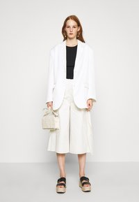 Who What Wear - OVERWRAP CULOTTES - Trousers - powder - 1