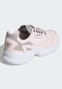 adidas Originals - SHOES - Sneakersy niskie - pink - 4