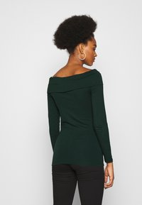 Vero Moda - VMPANDA OFF SHOULDER - Long sleeved top - pine grove - 0