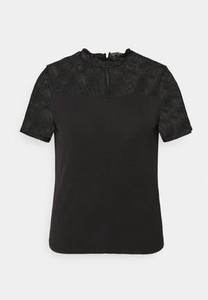 PCPINA - T-shirts med print - black
