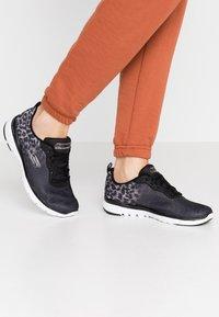Skechers Sport - FLEX APPEAL 3.0 - Zapatillas - black/white/silver - 0