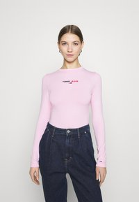 Tommy Jeans - LINEAR LOGO BODY - Maglietta a manica lunga - romantic pink - 0