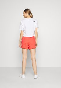 The North Face - WOMENS ACTIVE TRAIL RUN SHORT - Korte broeken - cayenne red - 2