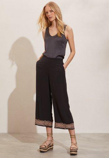 Pantalones - deep asphalt